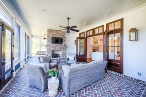 Screened porch sitting area