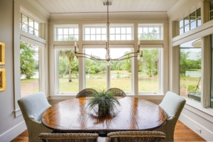Dining room with a view of the lagoon