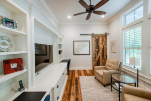 Sitting room with custom built-ins